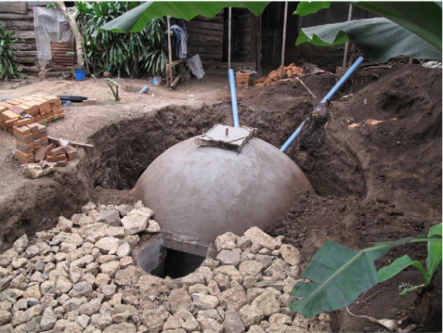 Laramee & Davis 2013 Dome Biodigester in Tanzania